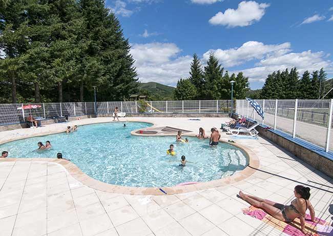 L 39 environnement du camping ferme de la croze en ard che for Camping a la ferme dordogne piscine